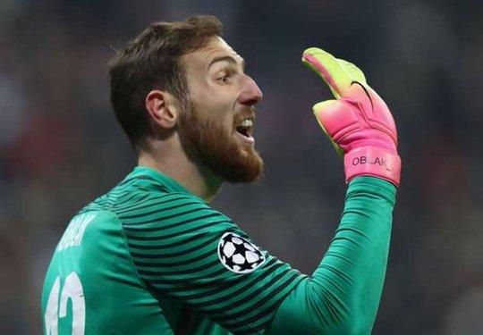 PSG ra giá 100 triệu euro cho thủ môn Oblak - Ảnh 1.