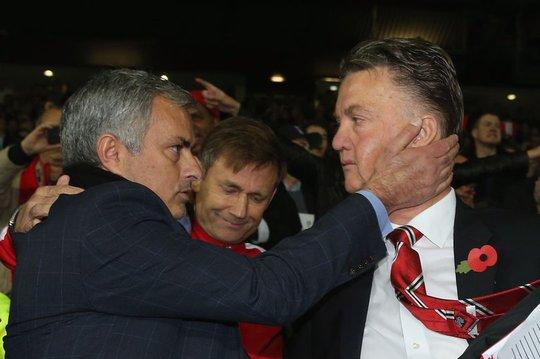 Van Gaal giúp Ajax vô địch Europa League để trả thù M.U? - Ảnh 1.