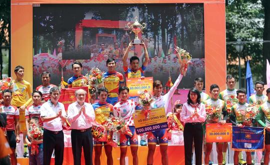 Domesco Đồng Tháp với danh hiệu vô địch đồng đội