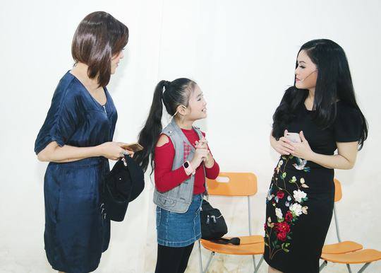 Khánh Nhi tham gia lớp học ngôi sao của vợ NSƯT Kim Tử Long - Ảnh 4.