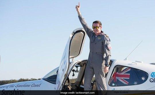 18 tuổi, lập kỷ lục lái máy bay vòng quanh thế giới - Ảnh 2.