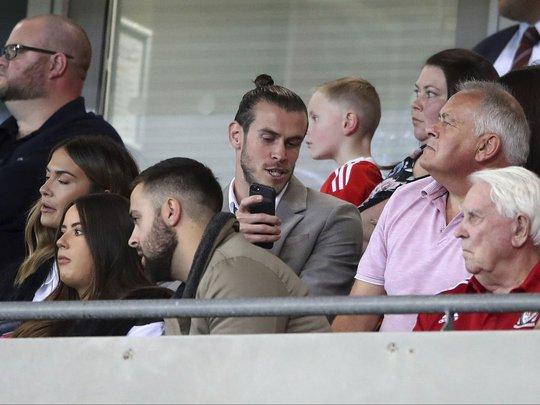 Bale và đồng đội chết lặng khi mất vé dự World Cup - Ảnh 2.