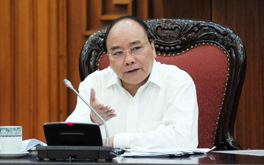 Thủ tướng chỉ đạo tạm dừng thu ph