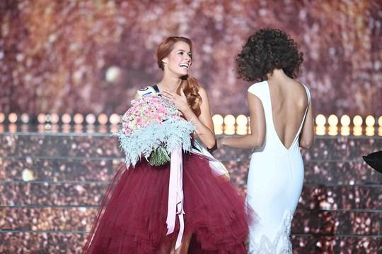 Cận cảnh nhan sắc tân Hoa hậu Pháp - Ảnh 2.
