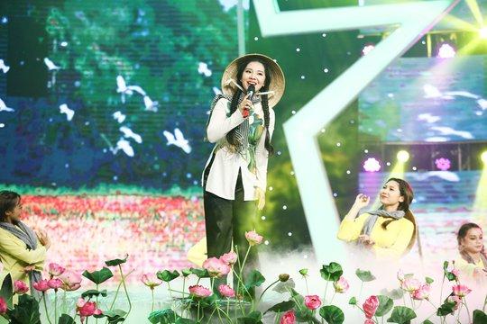 Lương Bằng Quang thắng nhất tuần, trao hết tiền thưởng cho Mai Xuân Thy - Ảnh 1.