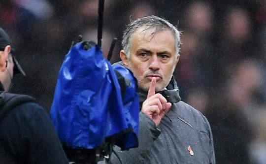 Mourinho: Lukaku là ngôi sao bất khả xâm phạm - Ảnh 2.