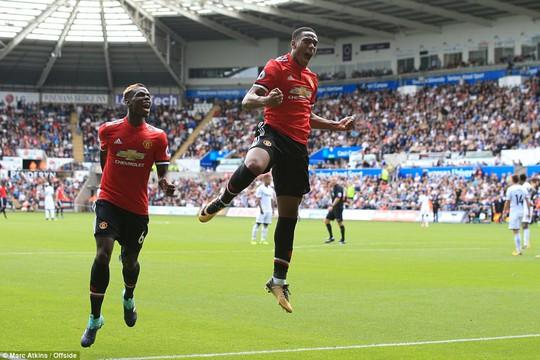 Ghi bàn hủy diệt, hàng công Man United vẫn bị chỉ trích - Ảnh 6.