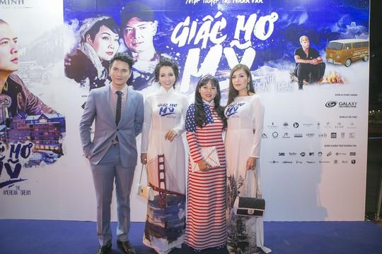 Sau xì- căng- đan ngoại tình, Bình Minh một mình dự ra mắt phim - Ảnh 7.