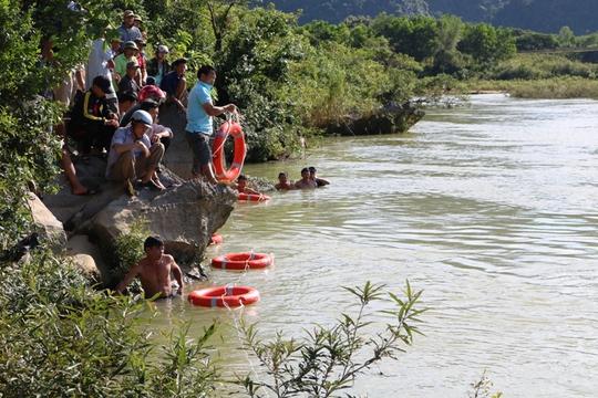 Một ngày 3 học sinh Quảng Bình đuối nước - Ảnh 2.