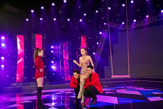 Minh Hằng gây ấn tượng với minishow trên sóng truyền hình