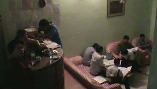 TP HCM: Phá ổ mại dâm trong nhà hàng - Ảnh 1.