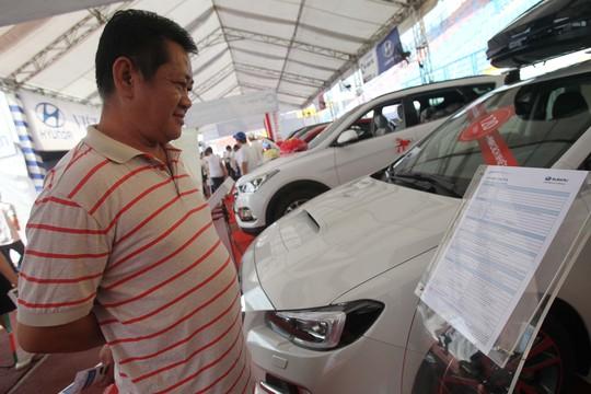 Cuộc chiến giảm giá ô tô chưa có điểm dừng - Ảnh 1.