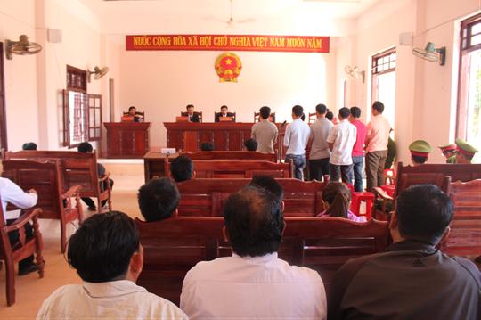 Phó ban dân vận huyện nhận án tù vì đánh bạc - Ảnh 1.