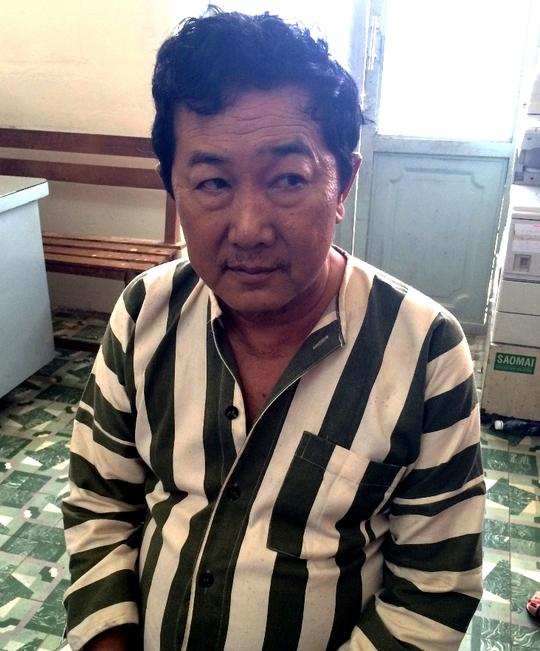 Gã đàn ông chuyên nhập vai đi nước ngoài bị tai nạn - Ảnh 1.