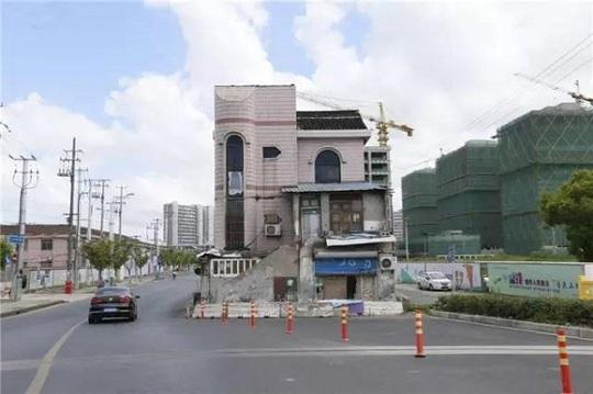 """Trung Quốc: """"Ngôi nhà cứng đầu khét tiếng"""" sắp bị phá hủy - Ảnh 3."""