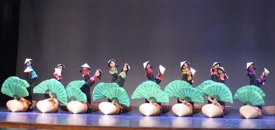 Thánh đường nghệ thuật ở Nhà hát Lớn: Vẫn là giấc mơ - Ảnh 2.