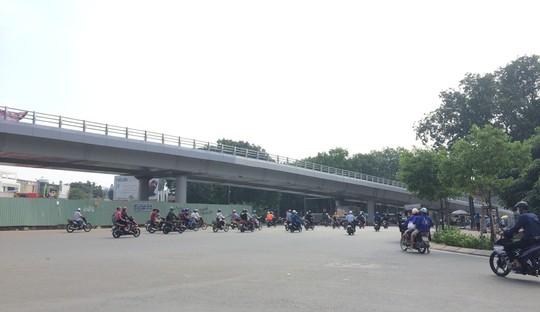 Thêm 1 cầu vượt thép cứu khu vực sân bay Tân Sơn Nhất - Ảnh 1.