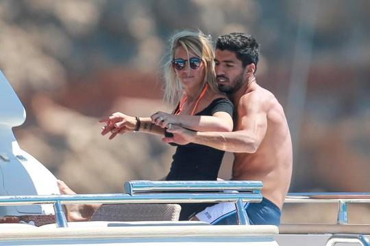 Gia đình Messi, Suarez, Fabregas họp mặt trên đảo - Ảnh 4.