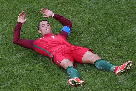 Ronaldo trốn giới truyền thông sau cáo buộc gian lận thuế - Ảnh 2.
