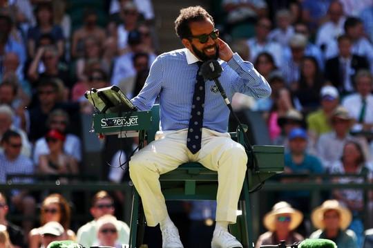 Wimbledon khổ vì kiến cánh - Ảnh 8.