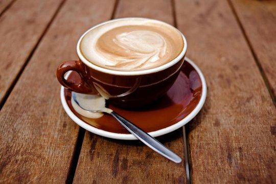 Mỗi ngày 4 tách cà phê, giảm 2/3 nguy cơ chết trẻ - Ảnh 1.
