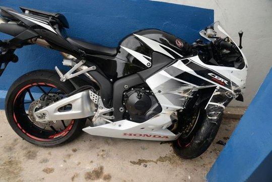 Chiếc mô tô của Mason sau tai nạn