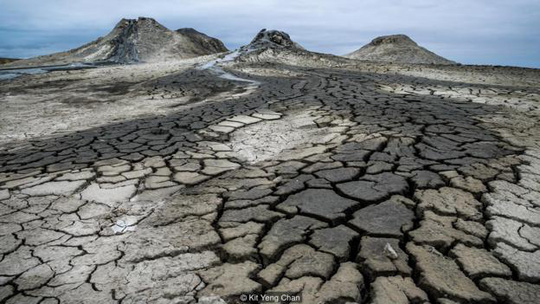 Cuộc sống tại nồi áp suất tự nhiên lớn nhất thế giới - Ảnh 2.