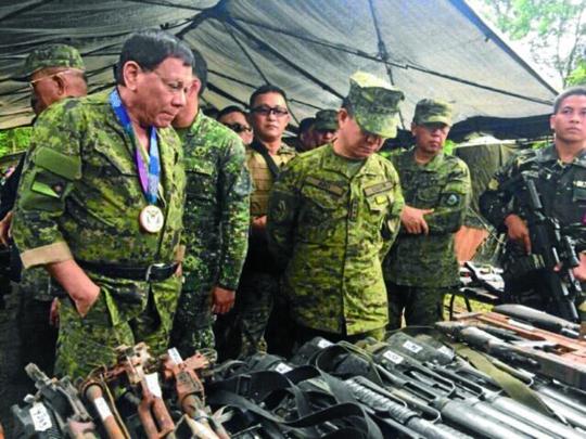 Nhiều thách thức chờ ông Duterte - Ảnh 1.