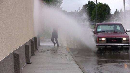 Bài học từ vũng nước mưa