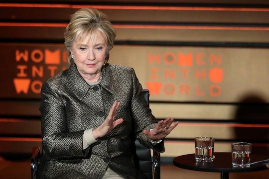 Bà Clinton phát biểu tại Hội nghị Thế giới về Phụ nữ ở TP New York tối 6-4. Ảnh: REUTERS