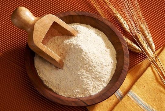 Công thức tẩy tế bào chết, làm trắng da bằng bột mì.