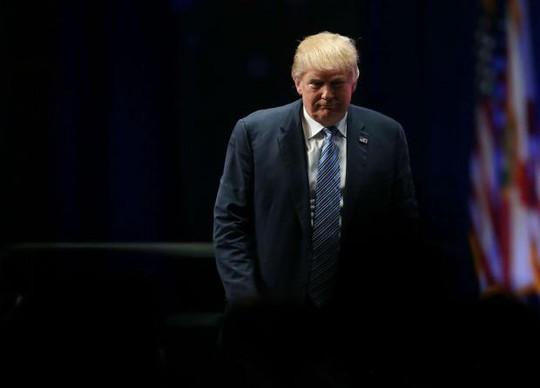 Sa thải Giám đốc FBI, ông Trump tính xóa sổ cuộc điều tra Nga? - Ảnh 1.
