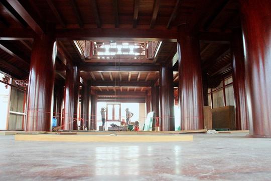 Ngôi nhà toàn gỗ giá 30 tỉ đồng giữa TP Hà Tĩnh - Ảnh 2.