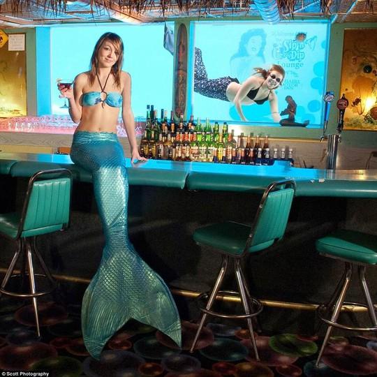 Những quán bar khiến khách say cả khi chưa uống - Ảnh 1.