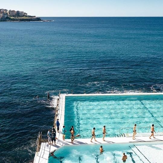 Bể bơi giữa biển khơi - nơi hút khách bậc nhất ở Sydney - Ảnh 2.
