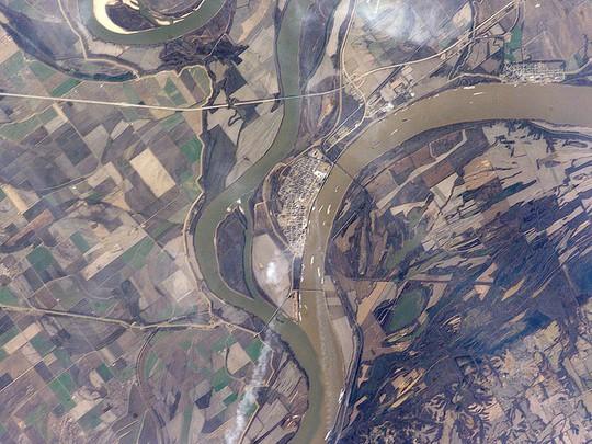 10 hợp lưu sông hùng vĩ trên thế giới - Ảnh 2.