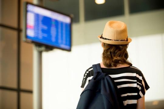 Bí quyết vượt qua vòng phỏng vấn an ninh khi du lịch nước ngoài - Ảnh 1.