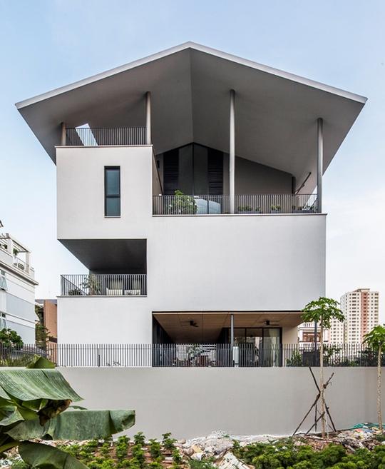 """Ngôi nhà lơ lửng"""" ở Sài Gòn thách đố triều cường - Ảnh 1."""