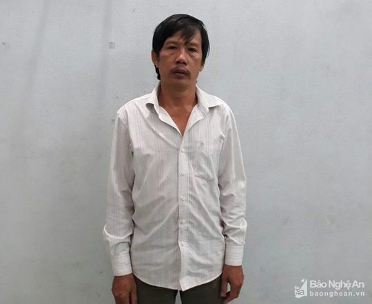 Trốn truy nã ở Nghệ An, vào Lâm Đồng hiếp dâm trẻ em - Ảnh 1.