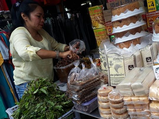 Đặc sản Thái Lan, Campuchia đổ bộ chợ truyền thống - Ảnh 1.