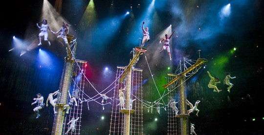 Bí mật đằng sau màn biểu diễn nước lớn nhất thế giới ở Macau - Ảnh 2.