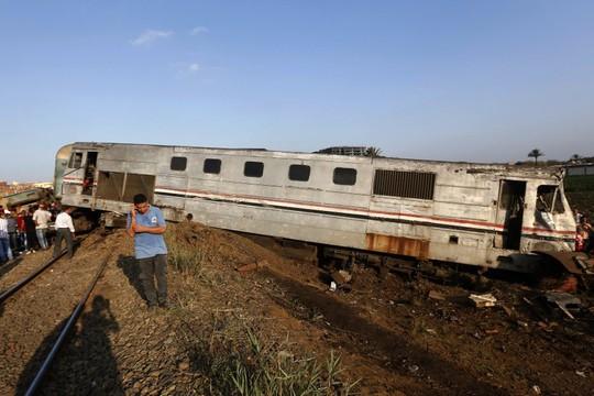Ai Cập: Tàu hỏa đâm nhau, hơn 100 người thương vong - Ảnh 4.