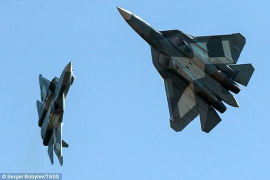 Nga rửa tội phi đội chiến đấu cơ vô hình khiến cả thế giới ghen tị - Ảnh 2.