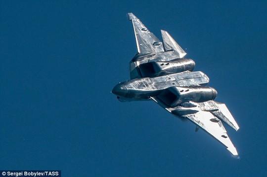 Nga rửa tội phi đội chiến đấu cơ vô hình khiến cả thế giới ghen tị - Ảnh 3.
