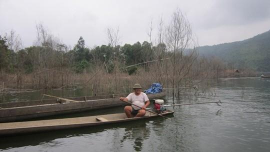 Đổi đời nhờ săn cá ở Bản Vẽ - Ảnh 1.