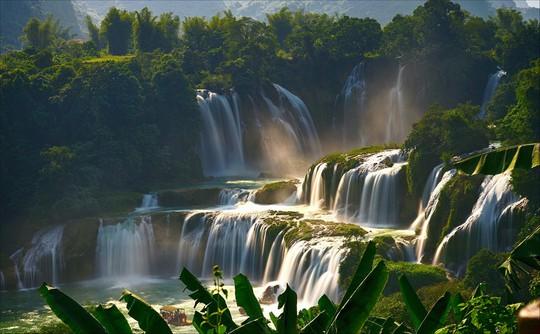 Những thác nước hùng vĩ đến khó tin ở Việt Nam - Ảnh 1.