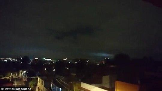 Mảng sáng bí ẩn xuất hiện cùng động đất thế kỷ ở Mexico - Ảnh 3.