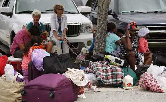 Bão Irma thổi bay nhà tù, hơn 100 tù nhân trốn thoát - Ảnh 5.