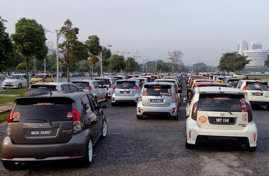 Ô tô nhỏ giá hơn 200 triệu đồng: Đổ bộ vào Việt Nam - Ảnh 2.