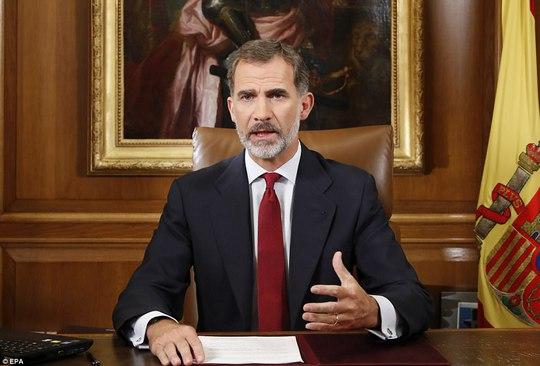 Vua Tây Ban Nha Felipe VI lên án giới chức trách Catalonia hành động vô trách nhiệm. Ảnh: EPA